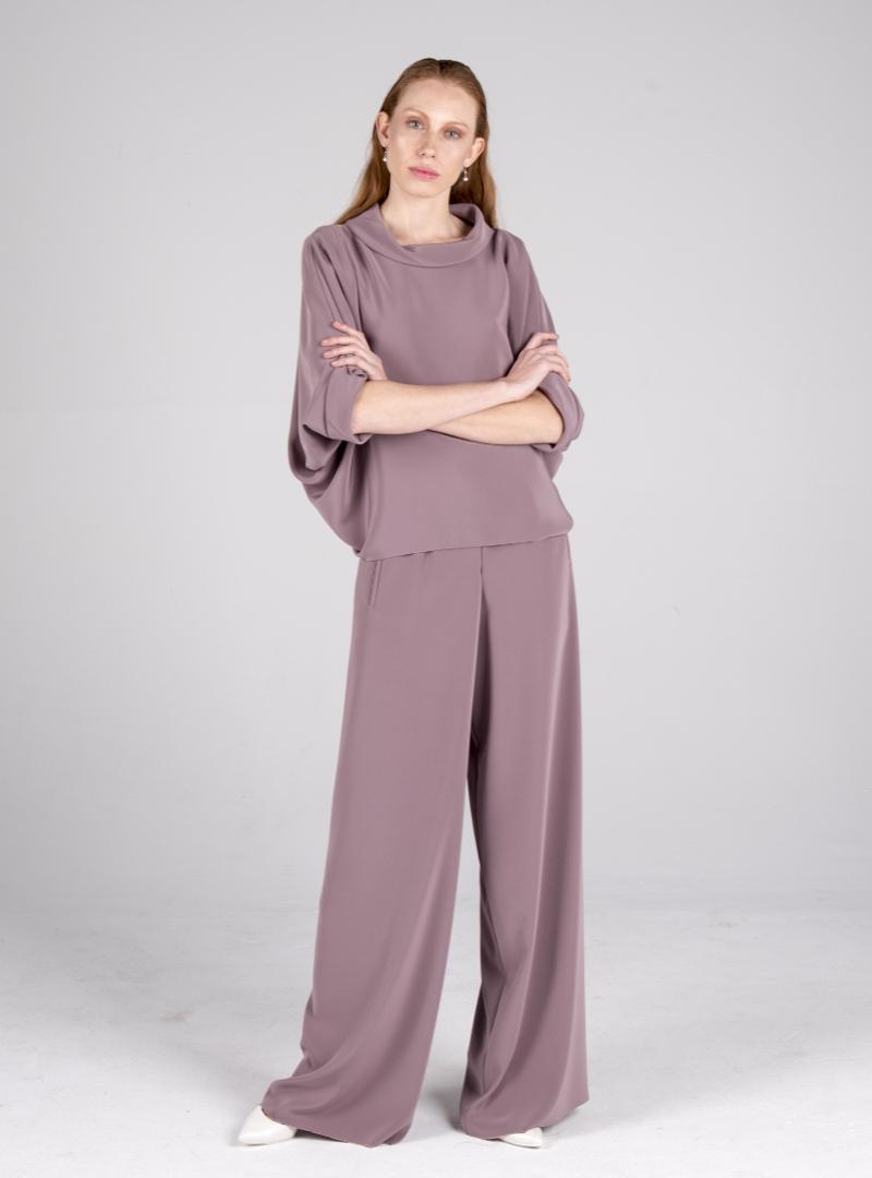 CRISTINA SAURA o cuando el diseño sigue a la función. Vestidos de diseñador en Barcelona.