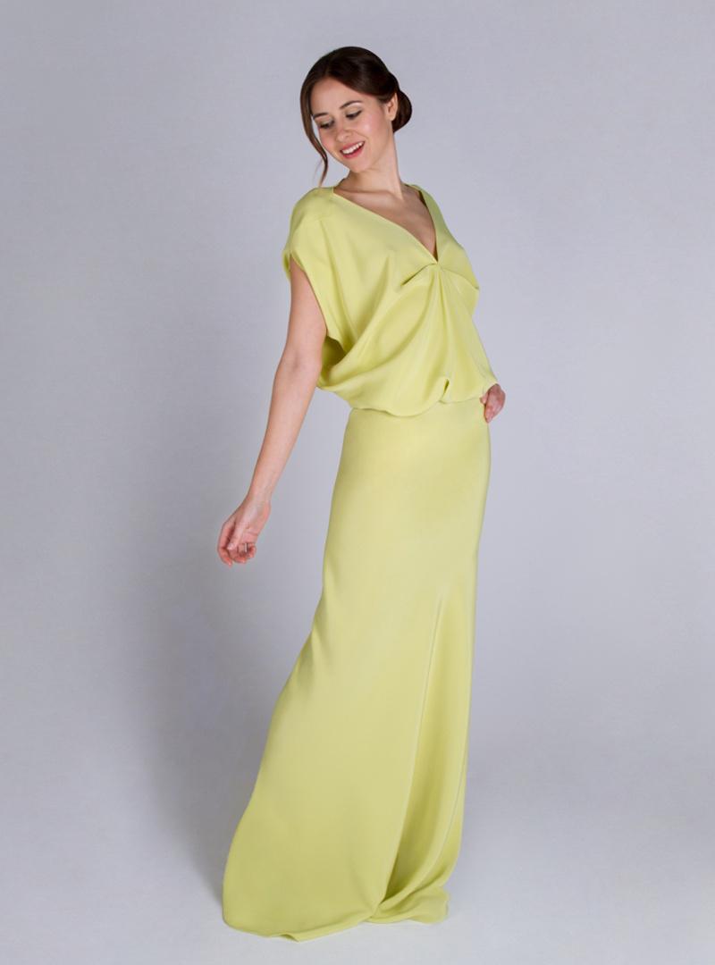 Disseny de CRISTINA SAURA per vestit de festa, d'estil sofisticat.