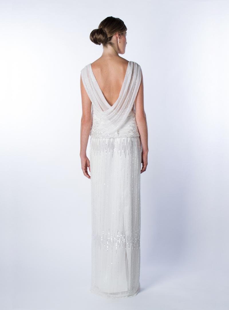Subtil elegància i feminitat expressa aquest disseny original per a núvia que signa CRISTINA SAURA.