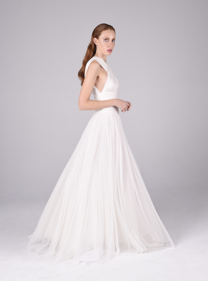 El vestido de novia Valeria es una creación de Alta Costura de CRISTINA SAURA.